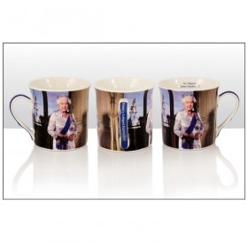 Queen Elizabeth II Regal Mug